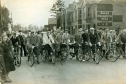 'Rath' Pashley and fellow cyclists 1939